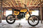 Suzuki: RM Suzuki RM125 Dirt Bike