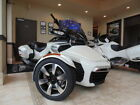Can-Am Spyder® F3-T 6-Speed Semi-Automatic (SE6) Radio -- 2016 Can-Am® Spyder® F3-T 6-Speed Semi-Automatic (SE6) Radio  1 Pearl White