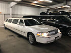 2005 Lincoln Town Car  Beautiful 2005 Lincoln Town Car Super stretched limo