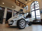 Can-Am Spyder® RT Limited 6-Speed Semi-Automatic (SE6) -- 2017 Can-Am® Spyder® RT Limited 6-Speed Semi-Automatic (SE6)  610 Miles Pearl Wh