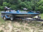 1990 Ranger 365V bass boat 18ft