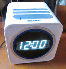 NELSONIC AM/FM Cube Radio Alarm Clock with Battery Backup and USB Charge Port