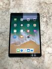 Apple iPad Pro 2nd Gen. 64GB, Wi-Fi   Cellular , 10.5in - Silver