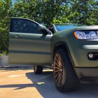 2013 Jeep Cherokee Laredo Matte Green 2013 Jeep Grand Cherokee Laredo V6 with tons of extras