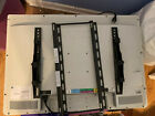 "Tv Sony VIZO VECO320L1A 32"" USED Bracket, Bolts And Remote Control Included"