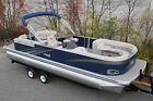 26 Ft TMLT Entertainer pontoon boat