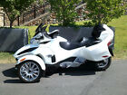 2017 Can-Am RT  NEW 2017 Can Am Spyder RT SE6 pearl white Authorized Can AM Dealer NO RESERVE!!!