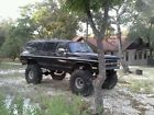 1990 Chevrolet Suburban  Lifted 1990 Chevy Suburban 4×4