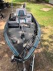 Stratos 258 V Bass Boat