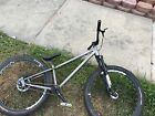 Grey haro dirt jumper it's in great condition the price is negotiable