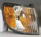 TO2531138V New Signal Lamp Front, Right
