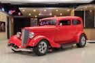 1933 Ford Tudor Sedan Street Rod All Steel '33 Ford Sedan! 350ci V8, TH350 Automatic, PS, PB, Disc, Pwr Windows